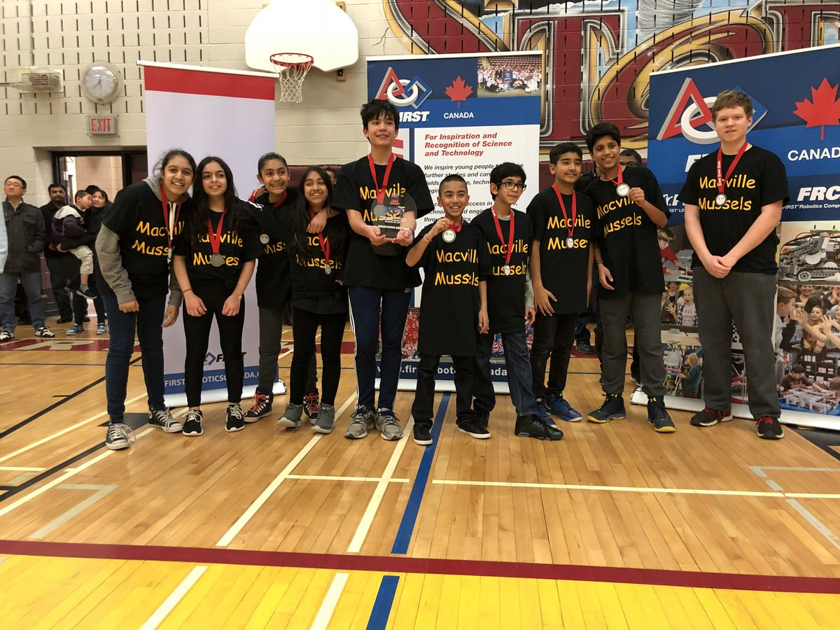 Congratulations to @MacvillePS #mussels for winning the innovative solution award!!! @KellyKawabe @PeelSchools @firstlegoleague