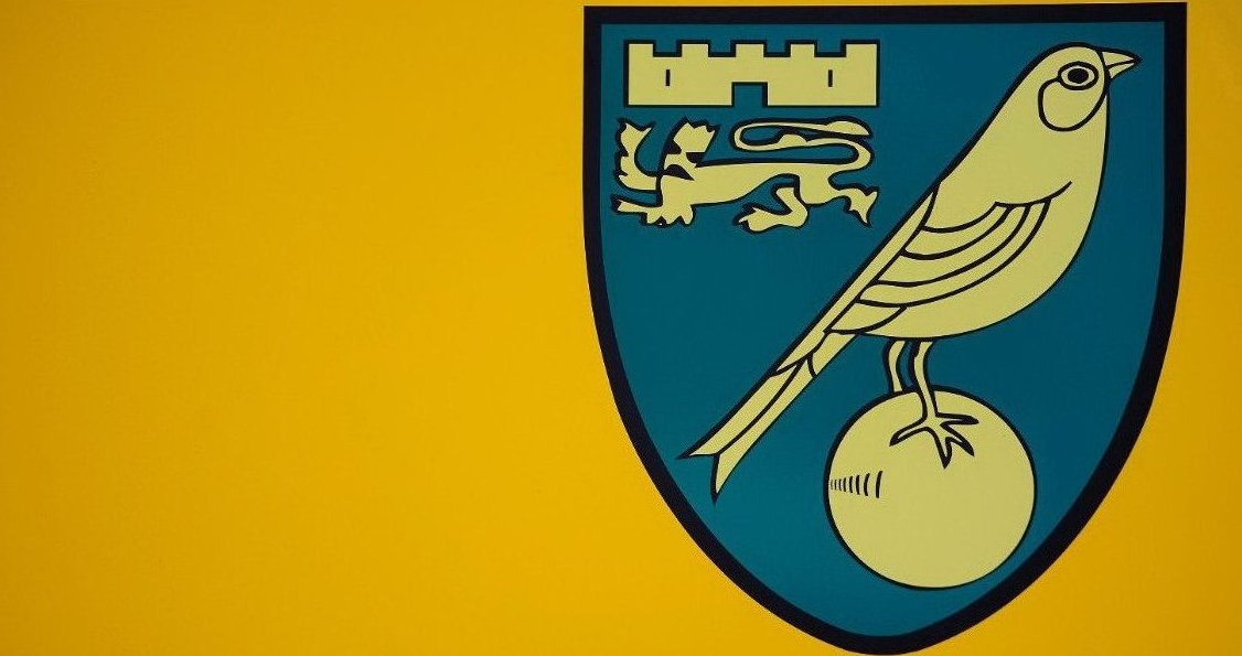 Keane and Scholes Xavi and Iniesta Modric and Kroos  Maddison and Pritchard  #ncfc <br>http://pic.twitter.com/NGJhHVvFNA