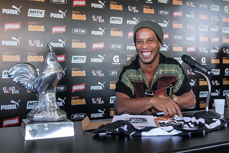 Assis diz que Ronaldinho Gaúcho deve ter jogo de despedida em Minas Gerais   https://t.co/7KnJ1lww0E