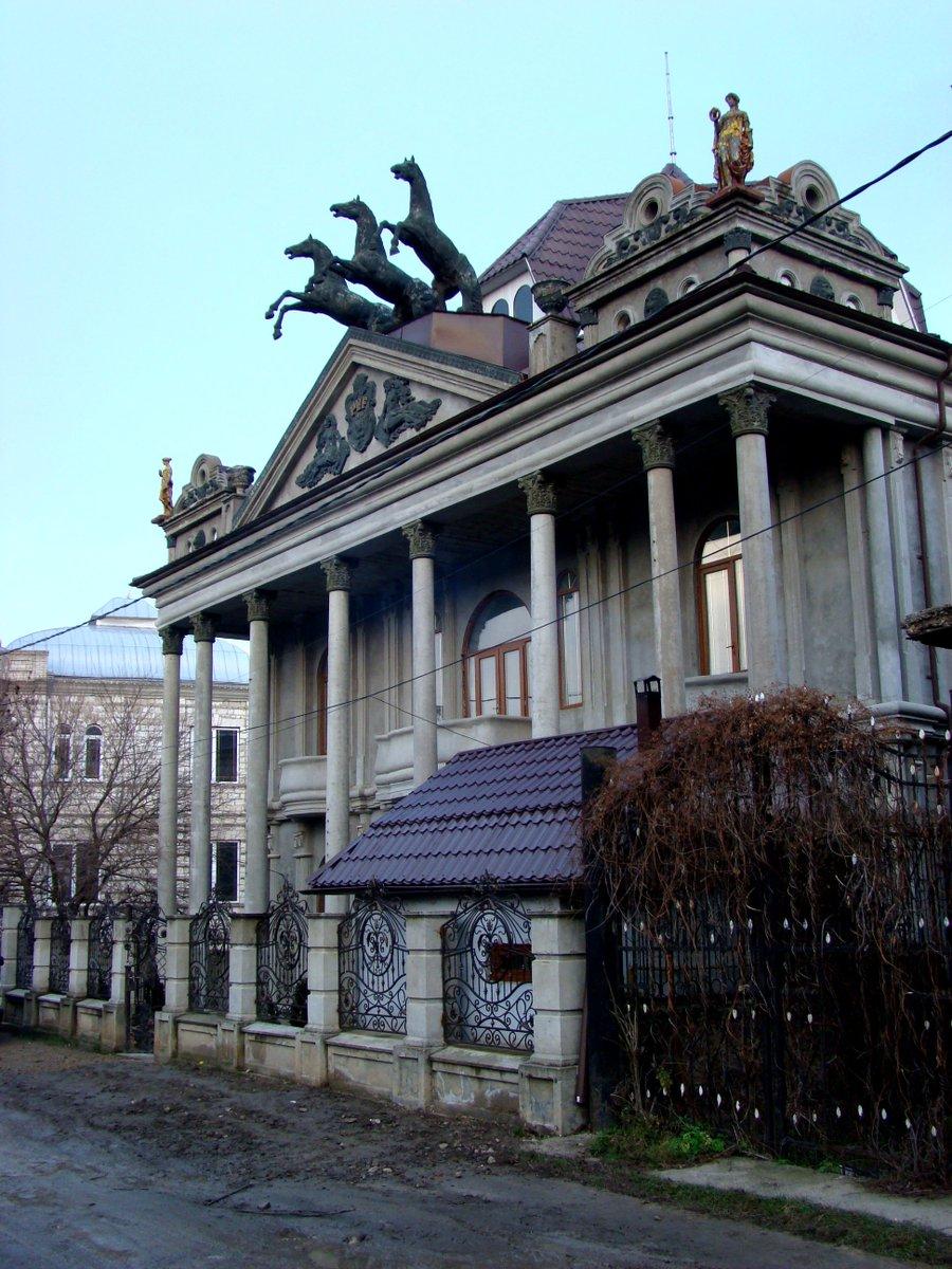Дома цыган в молдове фото