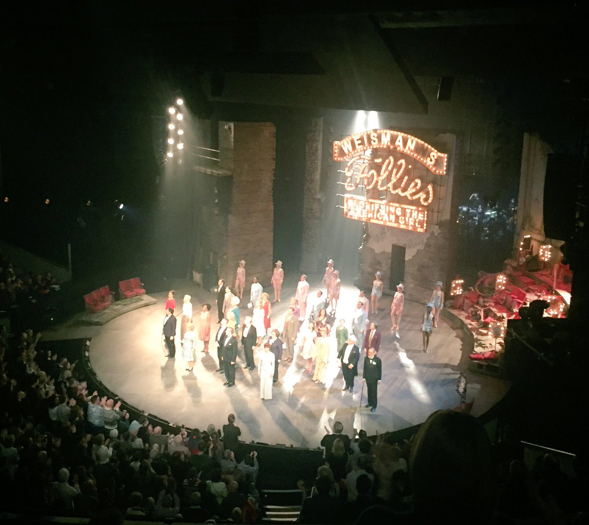 #Follies @NationalTheatre was a joy from start to finish - slick, engaging, gorgeous, wow! Vocal highlight @AliLanger duet w. Dame Barstow! Great 2 c @alexdeboo in it &amp; fab surprise to see my dance &quot;Commander&quot; (!) from RAM @JueArmstrong up there too! #GoSee<br>http://pic.twitter.com/qY2WBxhB2n