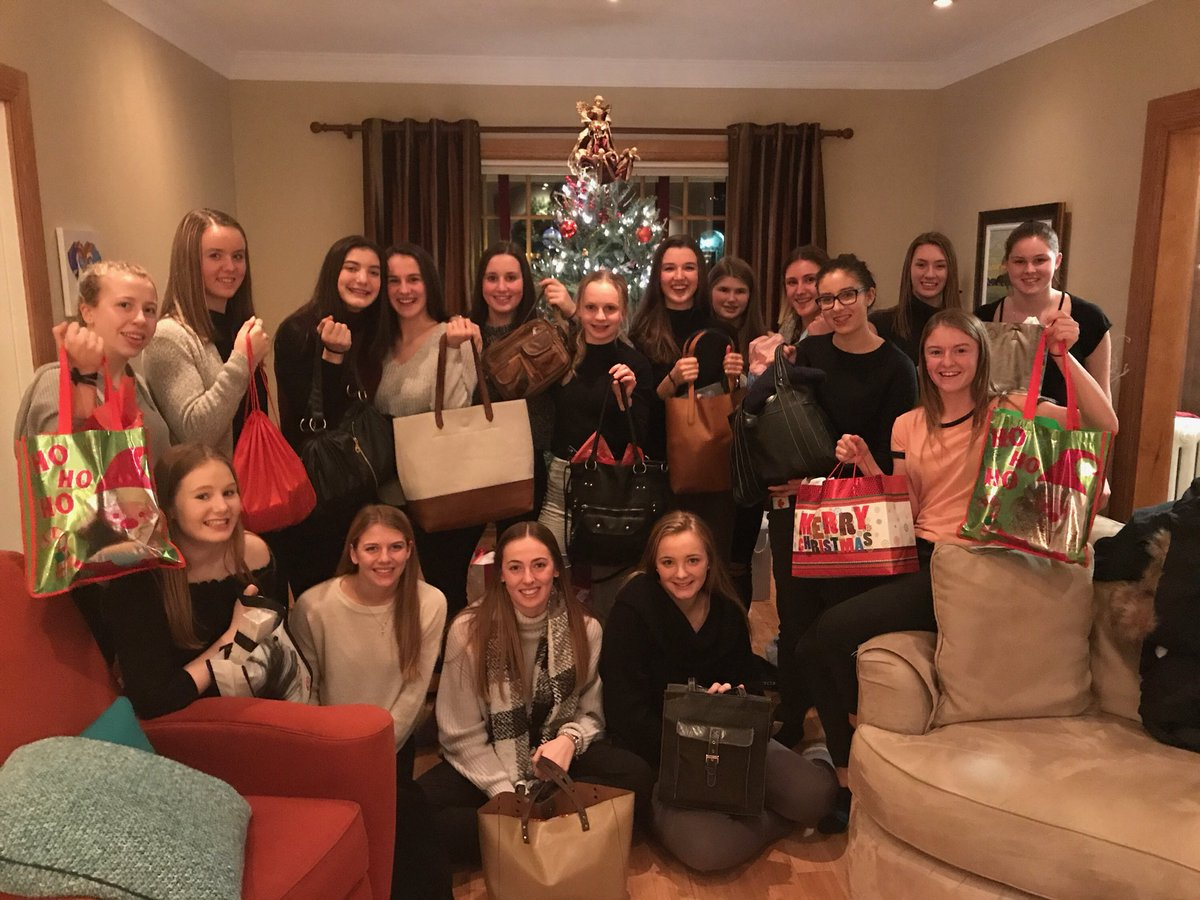 Sma Flames Prep On Twitter Gave Back During Their Christmas Party This Evening And Created Purses Full Of Necessities For The Handbags Hope