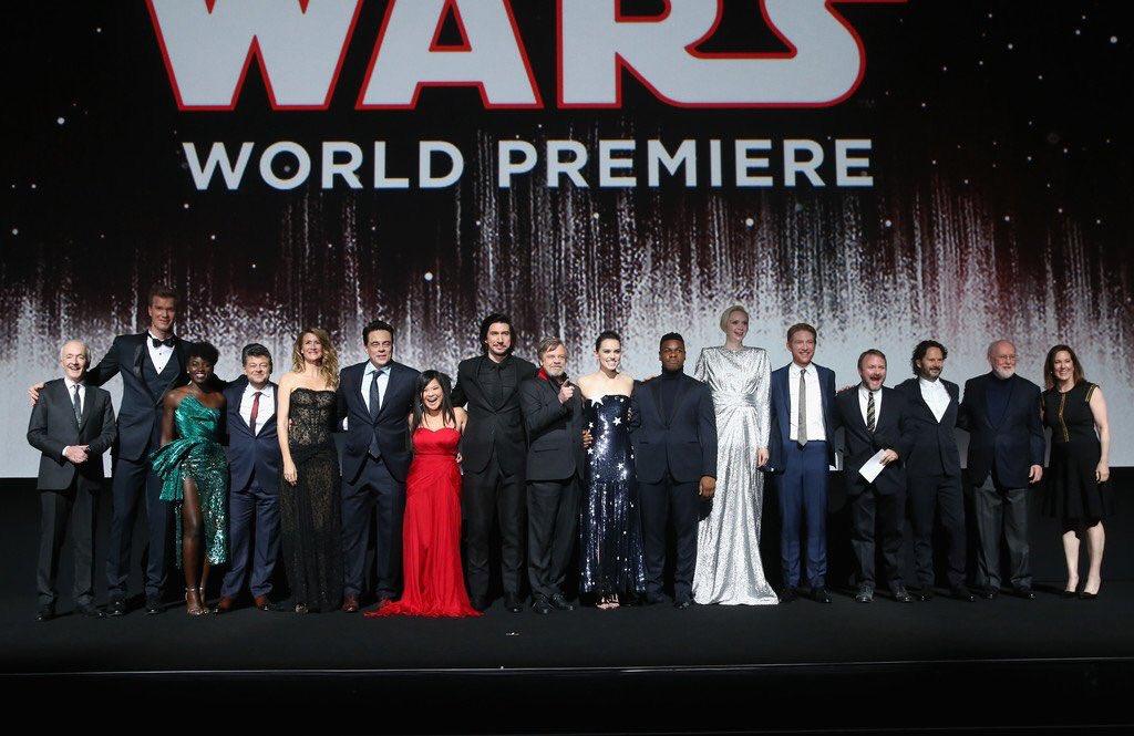 Star Wars: Episode VIII de Rian Johnson!!! - Page 12 DQr1AyPWsAAvmwr?format=jpg