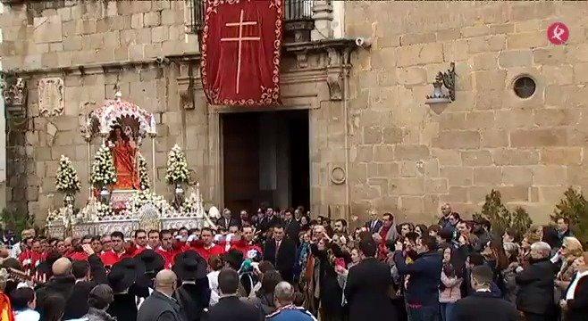 AVANCE | La patrona de Mérida recorre ya sus calles. A las #2menos3⏰, en #EXN1📺, te mostramos estas imágenes, y te contamos la histórica leyenda alrededor de la vida y muerte de la mártir. #EXN https://t.co/GF7JBpTjzJ
