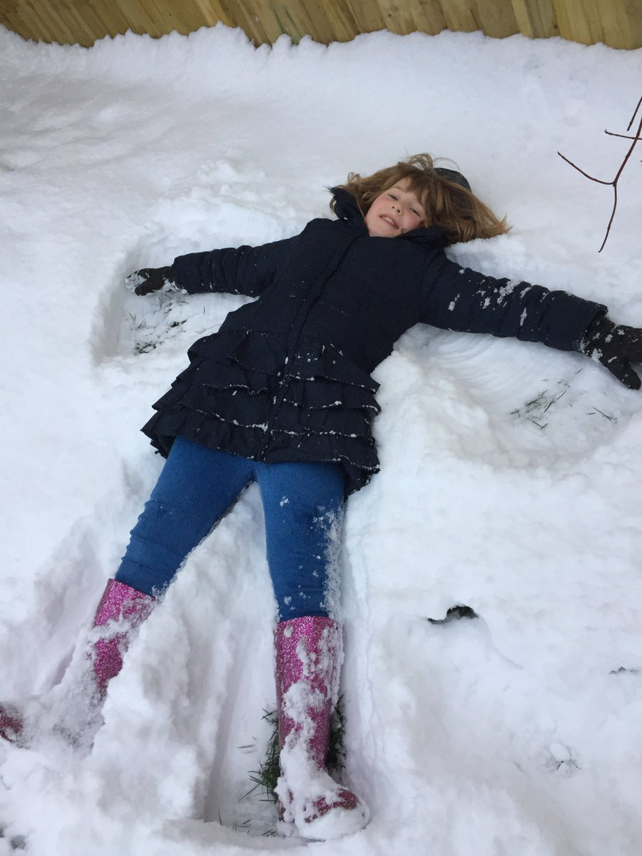 @EllesmerePS snowball fights and snow angels!