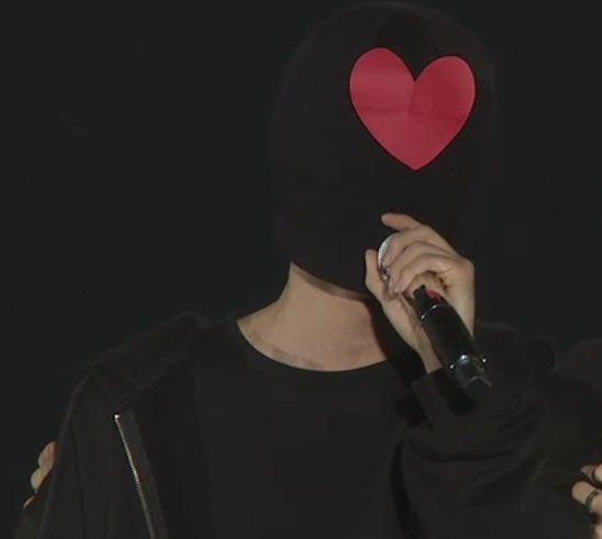 Heart face ❤️ #WingsTourFinalDay3 https:...