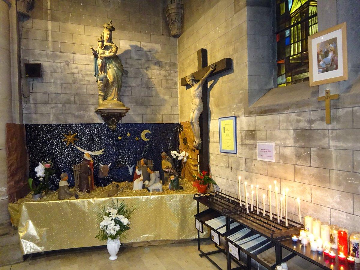 """""""Oh,#Marie,si tu savais..."""" Notre organiste à la #messe de ce matin (notre #église est aussi dédiée à Sainte-#Madeleine) a joué """"#Tennessee"""",le """"#Pénitencier"""" et """"Oh Marie"""" (pendant la #communion). #MerciJohnny! Bon #Dimanche à tous! #HommageAJohnny #MontreTaCrèche #MontreTaCroixpic.twitter.com/hdNkynXE4d"""