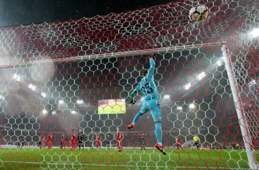 🇷🇺 Premier League Russa l No derby de Moscou, melhor para o Spartak que atropelou o CSKA por 3-0. Dois gols de Quincy Promes e um de Mario Pasalic