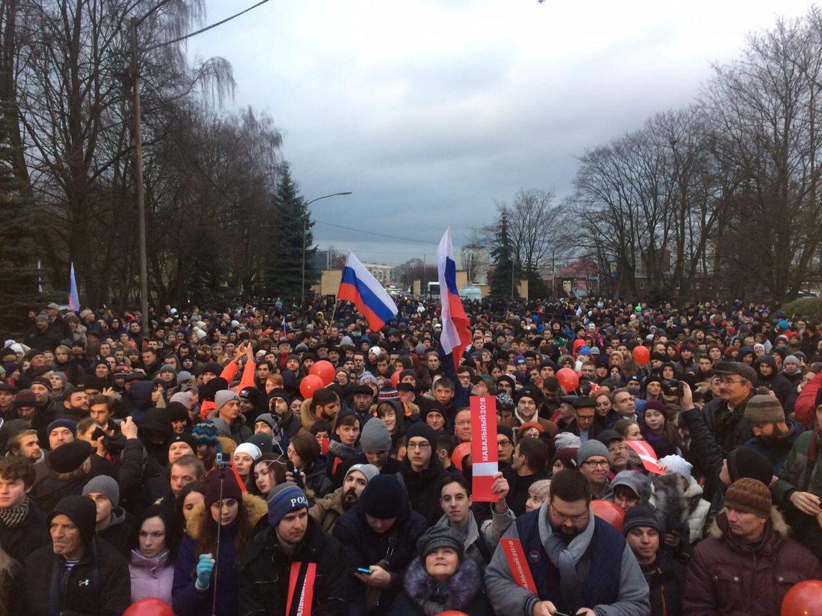 Калининград, встреча Навального м избирателями