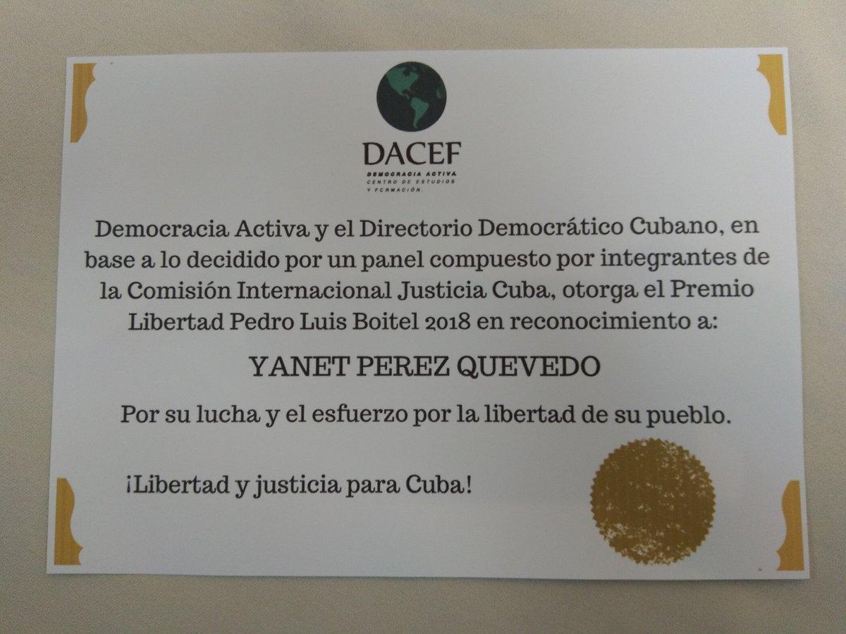 """#Dacef junto al @DirectorioCuba  y la Comisión Internacional #JusticeCuba entregan premio """"LIBERTAD PEDRO LUIS BOITEL"""" a YANET PEREZ  #DDHH"""