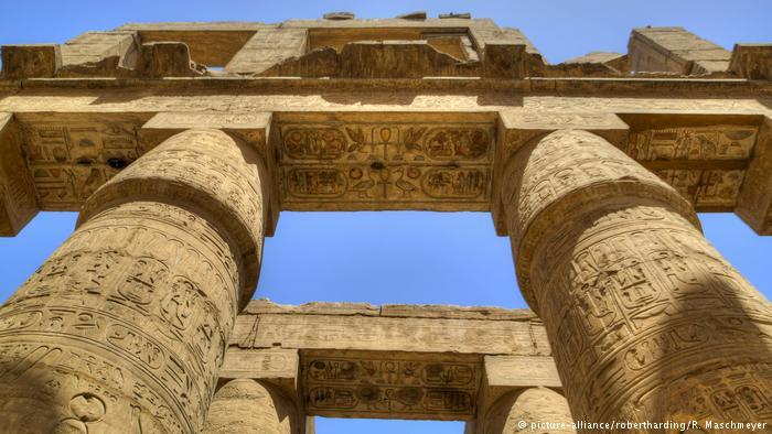 Arqueólogos encontraram dois túmulos antigos em Luxor, no Egito, que supõem pertencer a pessoas ligadas aos faraós da 18ª dinastia do Egito, que governaram há cerca de 3.500 anos. https://t.co/PK4kgnOnko