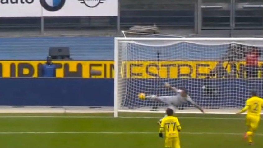"""Tifoso si lamenta della schedina persa per """"colpa"""" di Sorrentino, lui gli ... - https://t.co/U3edd2jLfj #blogsicilianotizie #todaysport"""