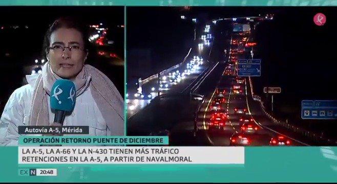 🚘🚖🚛 No hay que lamentar ninguna víctima mortal en nuestras carreteras, pero la Operación Retorno de este puente siempre es complicada: las retenciones en la #A5, lo más destacado. Lo cuenta @MaribelLozano8. #EXN https://t.co/H0D25Bxn9u