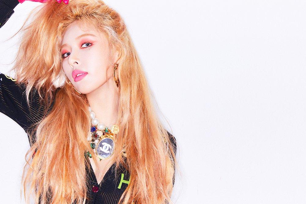 HyunA tops China's QQ Music charts  http...