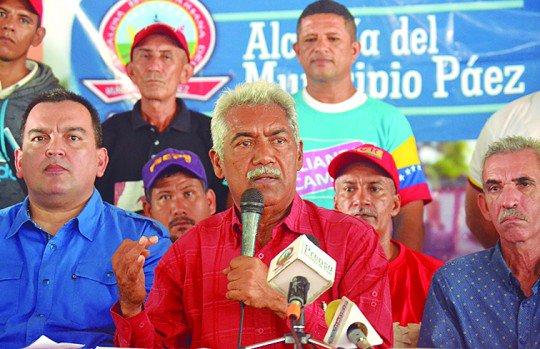 Efrén Pérez (Psuv), ganó la Alcaldía de Páez, con 43.874 votos (87,65%) https://t.co/8lGch2rFS0  #Municipales2017 https://t.co/d4s86f2hqc