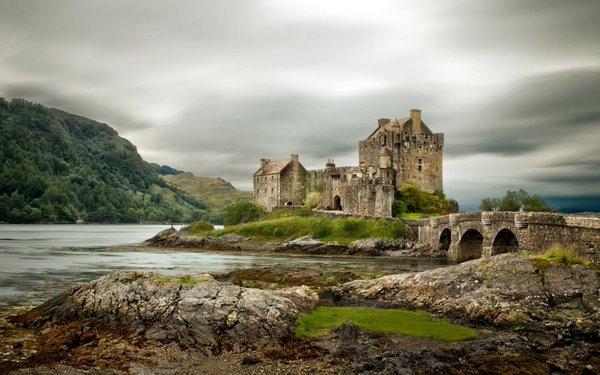 Eilean Donan Castle en #Escocia https://...