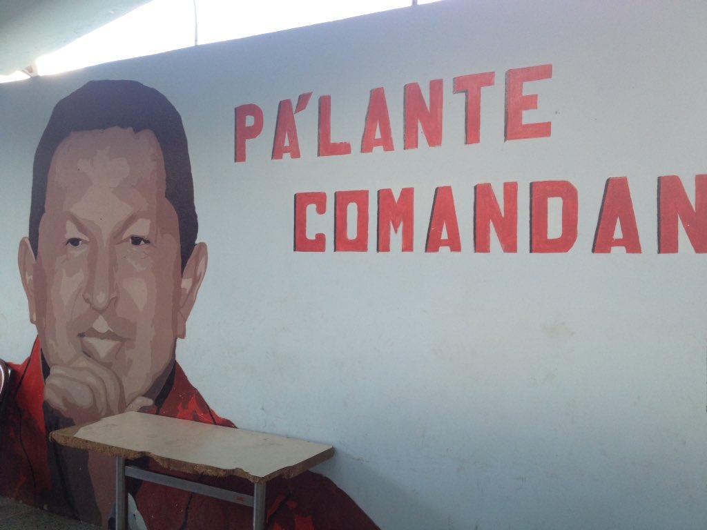 Fotos del nuevo centro electoral al que el CNE mudó a los electores del Colegio San Ignacio de Caracas. Un lugar neutral y accesible. Becerros.