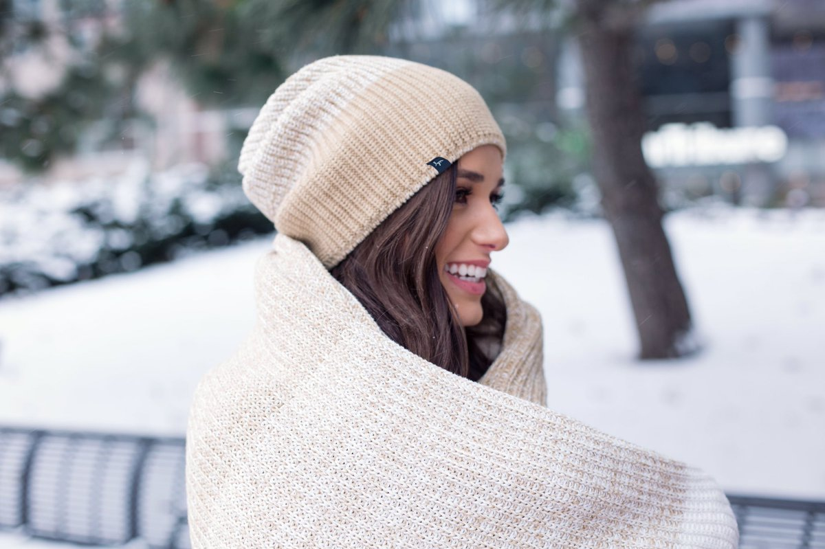 755eb999c3b93 Don t forget gold foil   gold yarn beanies   cuffed beanies at 2 PM CT! See  you tomorrow!  LoveYourMelonpic.twitter.com 4lPiAmg1Mk