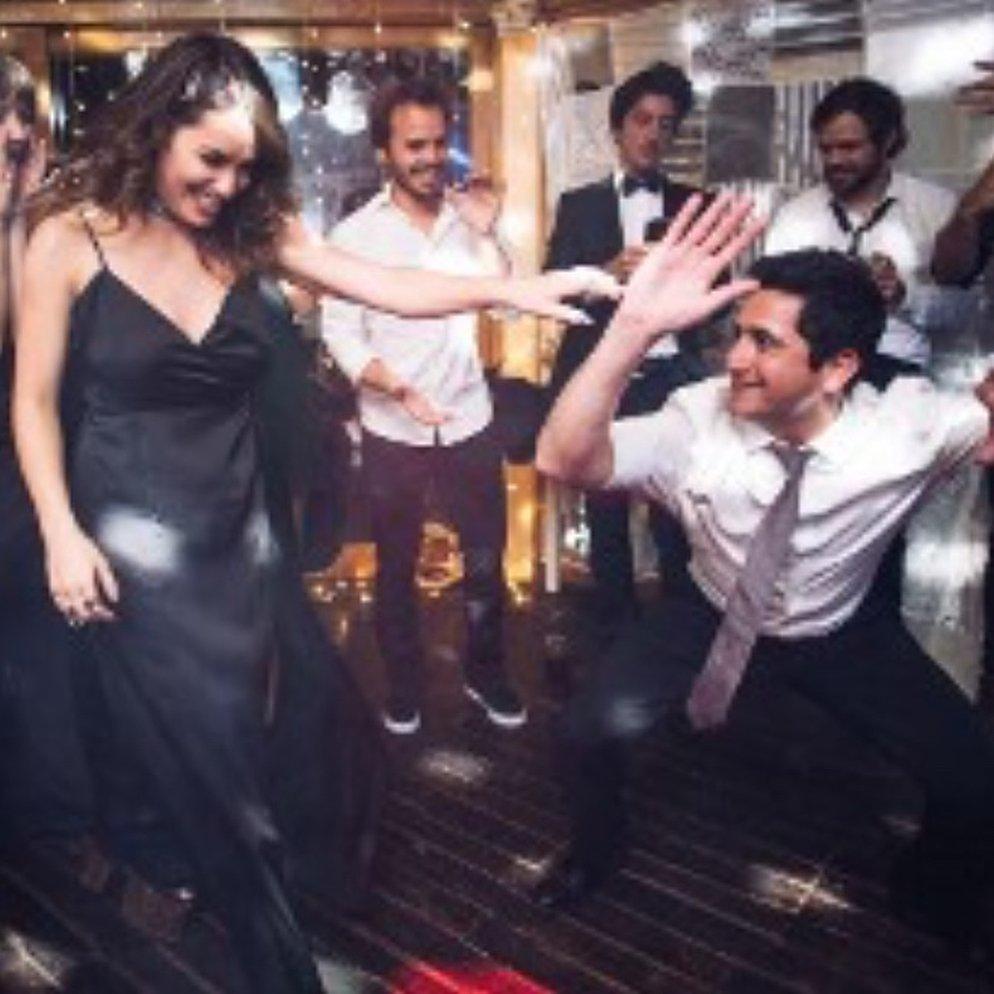 RT @planzaniweb: 📷 | Nuevas fotos de Peter en la boda de Gime y Nico (créditos @SusanaTRuiz ) https://t.co/OBE0dIJWYw