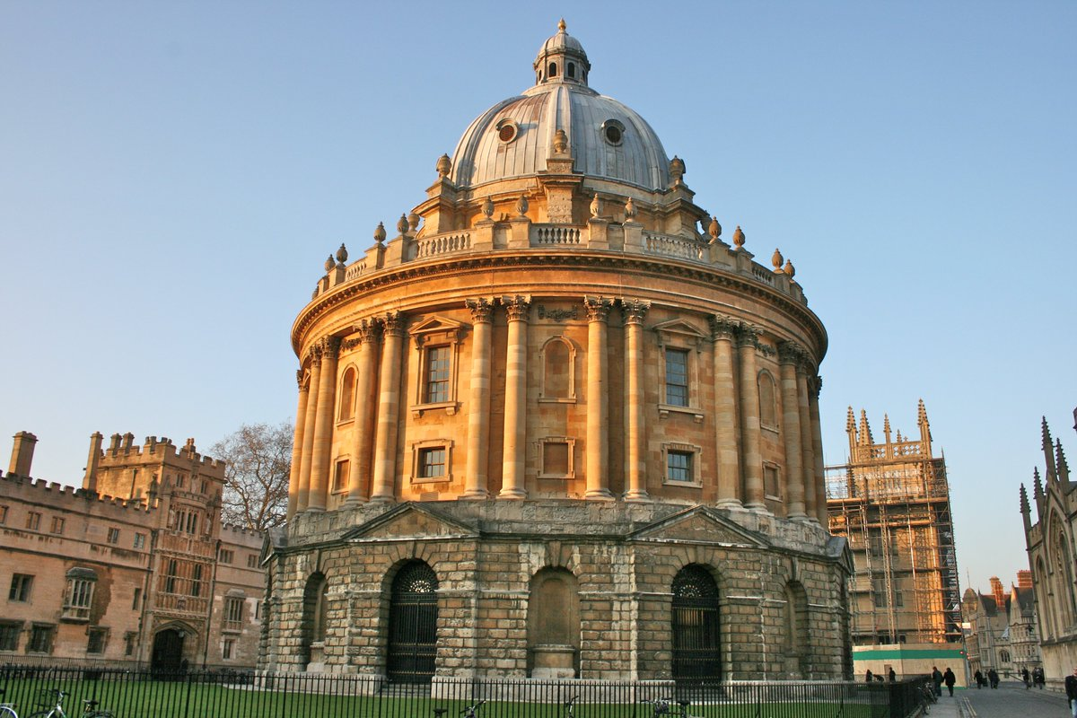 Top universities, 2018.  1. Oxford 2. Cambridge 3. CIT (tied) 3. Stanford (tied) 5. MIT 6. Harvard 7. Princeton 8. Imperial College 9. University of Chicago 10. University of Pennsylvania (tied) 10. Swiss Federal Institute of Technology (tied)  (THE) https://t.co/pW3ALIQPIK