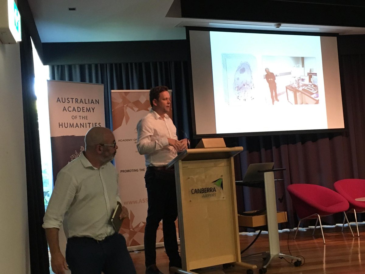 #HASS Centres of Excellence event: @ARCCoEBionano Matthew Kearnes &amp; John McGhee role of #arts in disrupting #data visualisation #HASSCoE2017<br>http://pic.twitter.com/rBUcBqDjx0