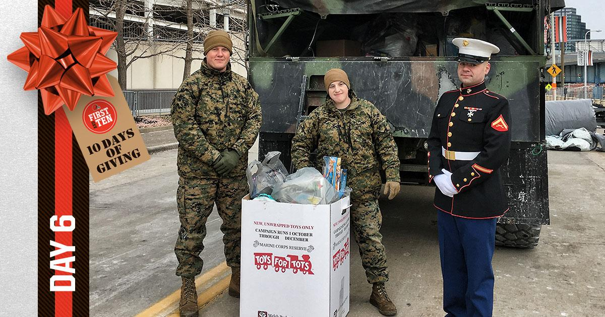Thank you to the Marine Corps for collecting today's donations for our annual First and Ten Toy Drive  📰 » https://t.co/KPW8NCP6of   #give10 @BrownsGiveBack