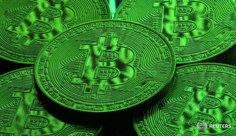 Hotly anticipated #bitcoin futures surge 21 percent on debut https://t.co/rVq9pwU6Ts by @SaqibReports @Swatisays More from #ReutersFintech: https://t.co/M85cmrRH2l