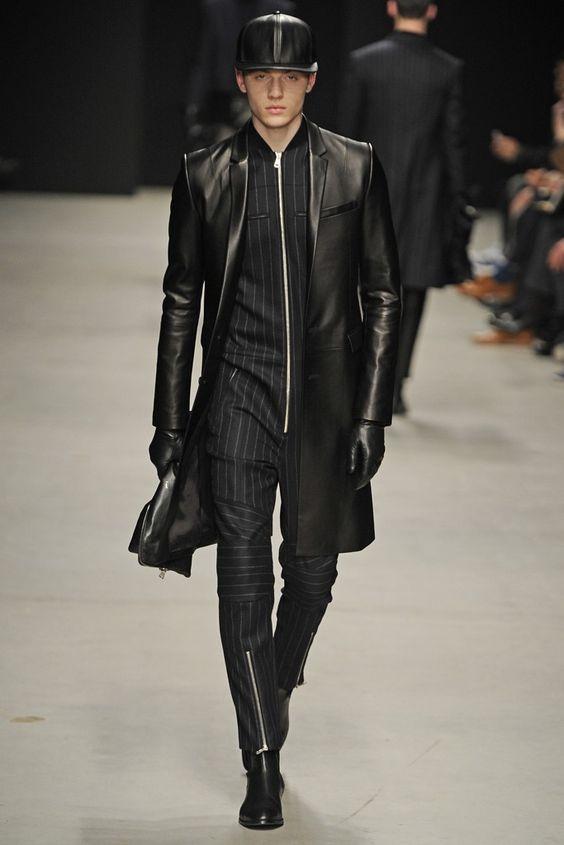 RT @Arting_2D: 점프슈트를 입은 남성 #점프슈트 #남성 #패션 #디자인 #자료 #아트인지 #Jump #Suit #Male #Fashion #Design #Reference #ArtInG https://t.co/TcmU60vG1B