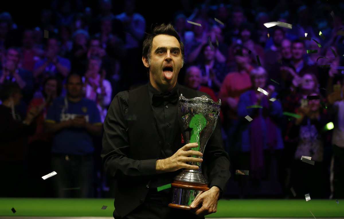 """""""I can't imagine getting to 60 and thinking 'I can't make 100. If you can make 100 then why can't you make five centuries or 10 centuries - age is just a number.""""  Ronnie might never retire 🙏😍"""