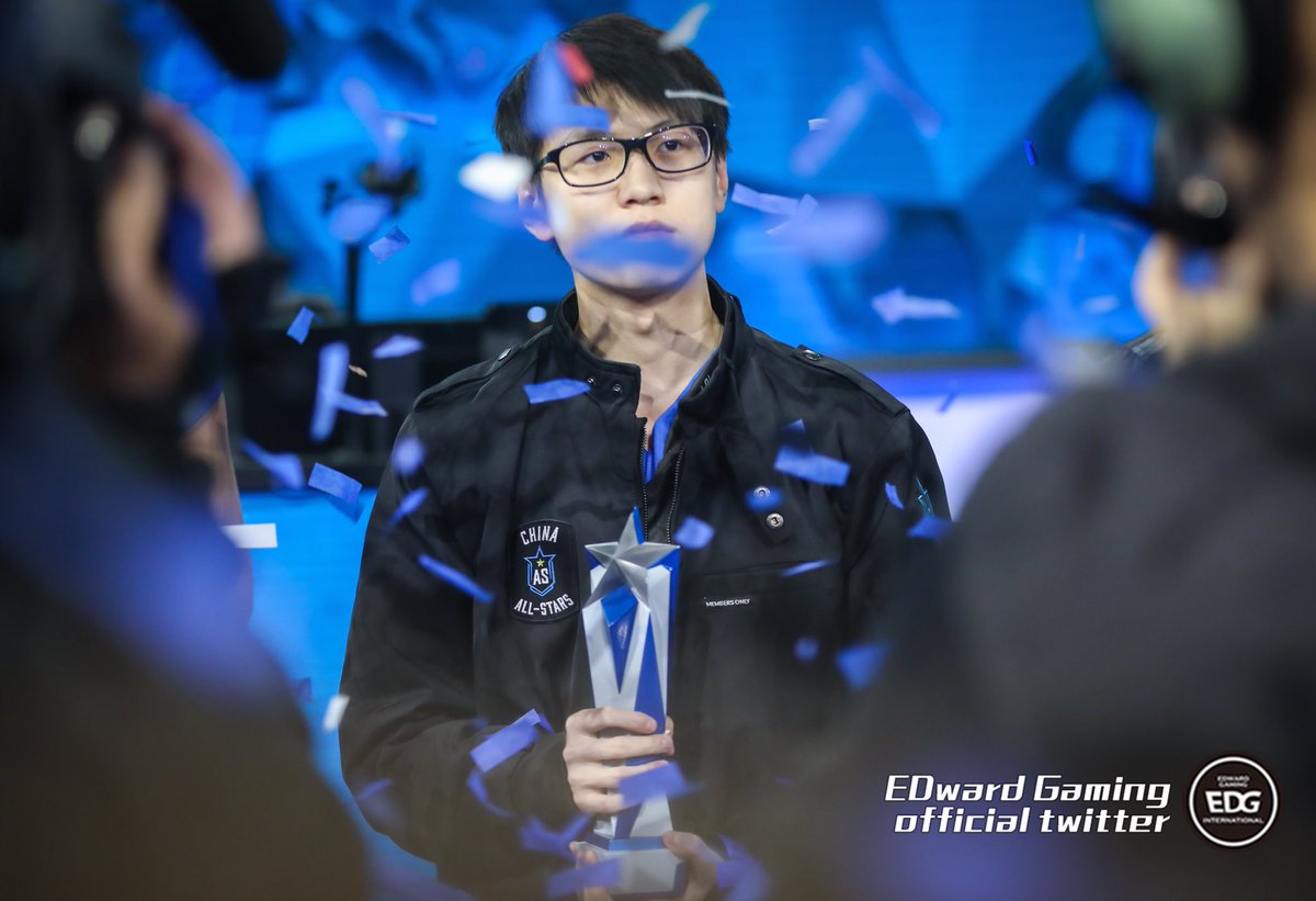 RT @edg_esport: The rookie joined EDG two years ago has already became a superstar  #Meiko #Allstar2017 https://t.co/BrVRTEkYZG