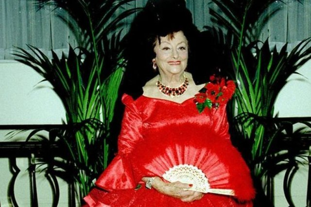 Aristocrat leaves fortune to long-lost ex - but nothing to her children - https://t.co/3ePtMKTJgl https://t.co/zdxSpAqGCl