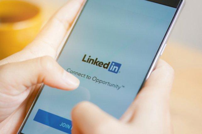 Já conhece o nosso perfil no Linkedin? Nós siga e saiba das novidades do mundo digital em primeira mão! https://t.co/068nJmhl8V  #MarketingDigital https://t.co/2voTOFMaEU