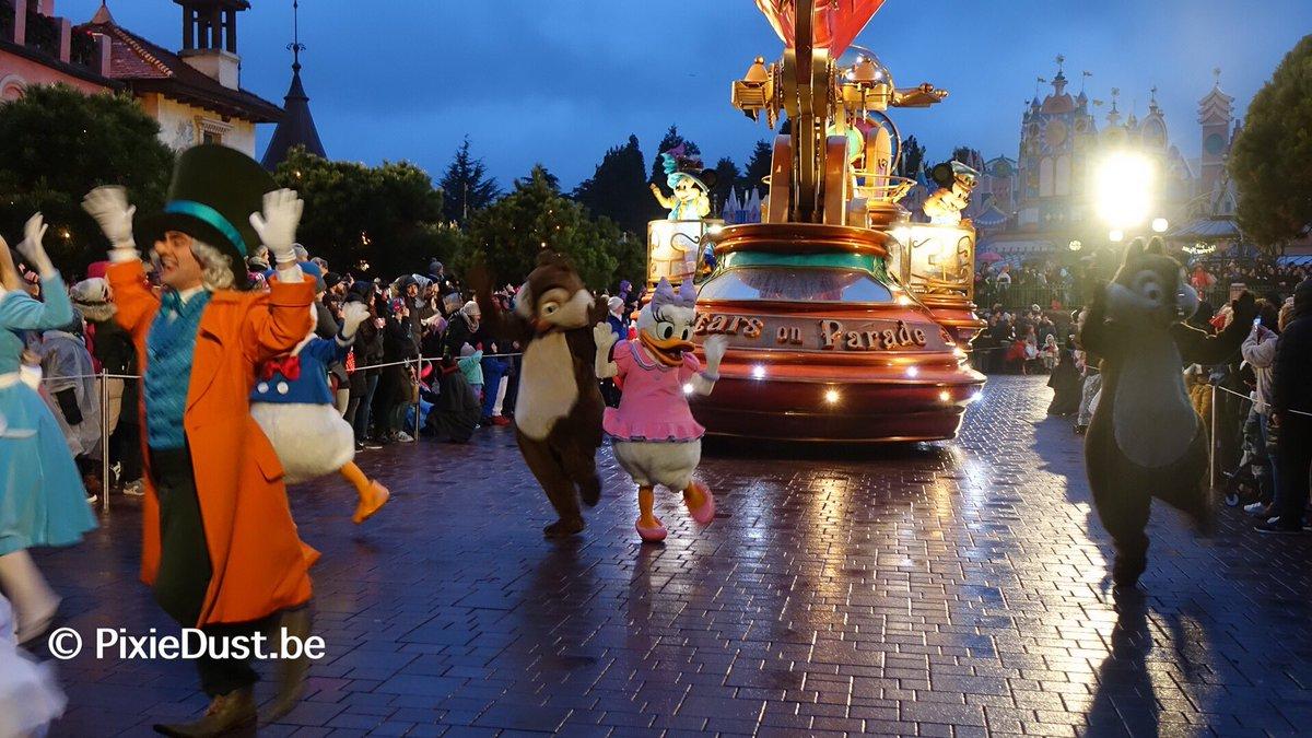 Les dégâts causés par les aléas climatiques à Disneyland Paris DQx3c9wV4AAQzZ6
