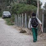 ¿Ya todos a están en la escuela? muchos #estudiantes caminan hasta 3 horas para llegar a sus #aulas y poder recibir #clases, existen #maestros que acampan o duermen en sus coches y sus #comunidades por falta de #transporte en #Chiapas.