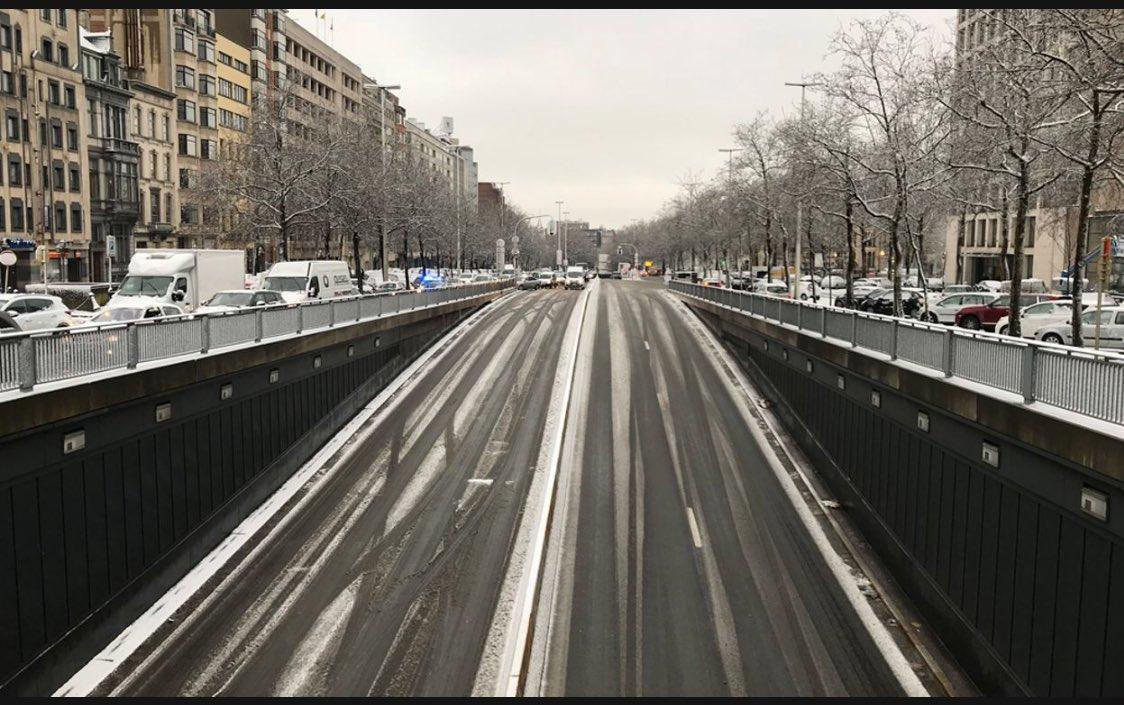 À nouveau la neige de la côte à #Bruxelles #météo #tunnels #aéroport ❄️⛄️❄️