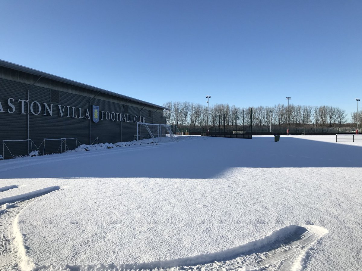Even a snow covered pitch at BMH won't stop training, indoor session done and dusted. #avfc <br>http://pic.twitter.com/IVlgvhzTs3