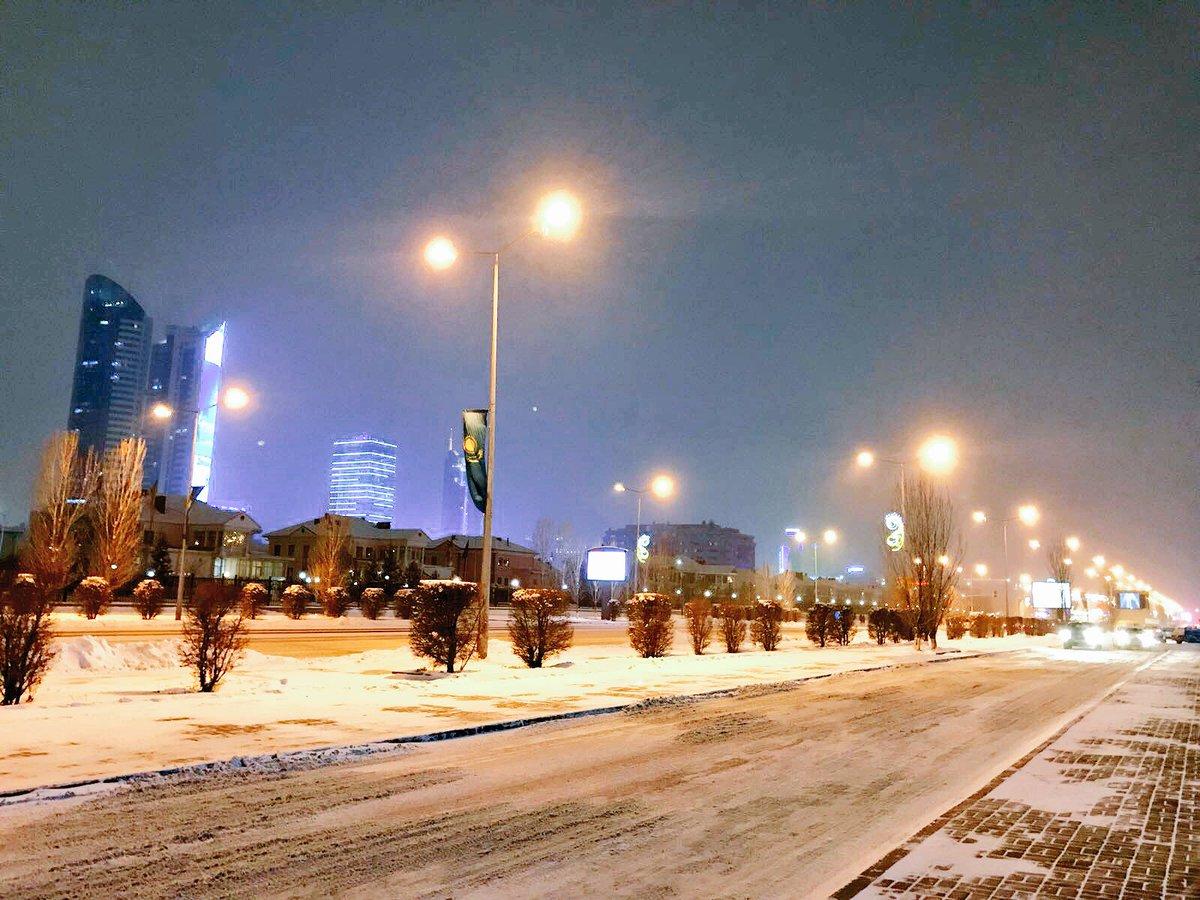 RT @Kazakhstan: Winter #Astana at night. #Snowing ❄️ https://t.co/7UsxWUgbud