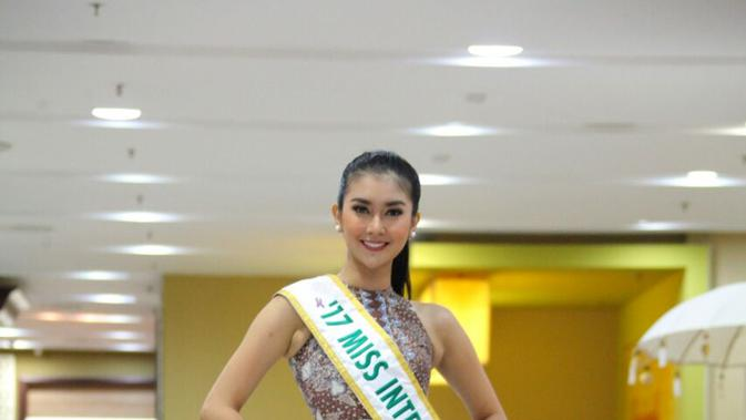 Miss International Kevin Lilliana Jalani 2 Misi Perdamaian Dunia https://t.co/rx6SuRJaIl https://t.co/4EcPRRj3qD