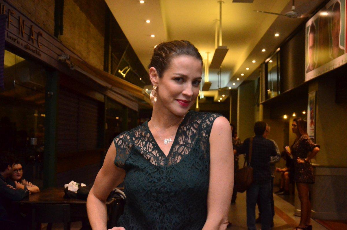Luana Piovani revela que não está sendo fácil ficar longe do maridão. Confira na Tv CARAS! https://t.co/VTYIA0xOlB