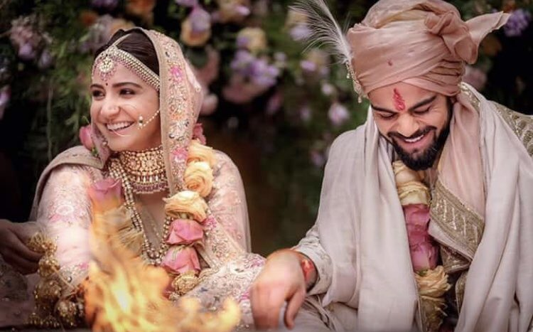 WEDDING PICTURES are out😍 @AnushkaSharma...