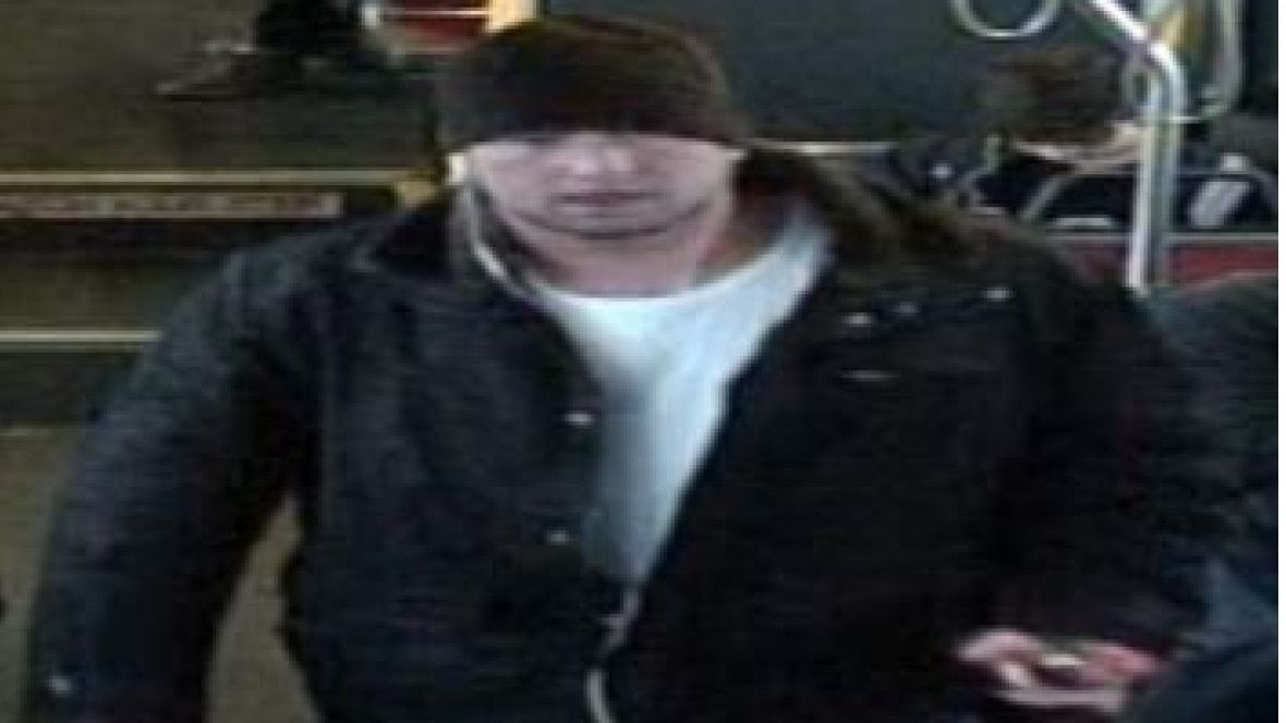 Police release image of man after Muslim woman threatened on TTC bus https://t.co/Xb2JhTihIF