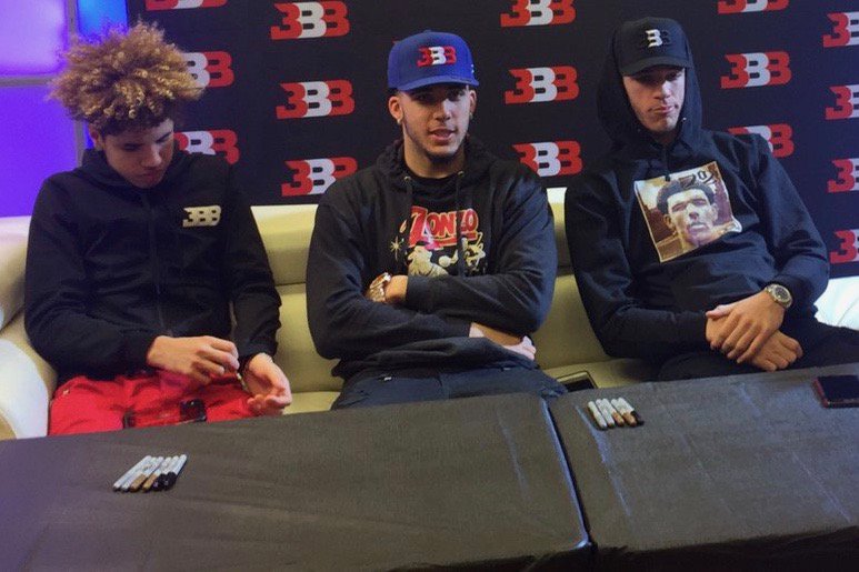 LaVar, LiAngelo and LaMelo talk what's next for the Ball brothers https://t.co/Llv0Na7xAp https://t.co/gQvI1GjPNo 📣… https://t.co/h4NNTrfzSN