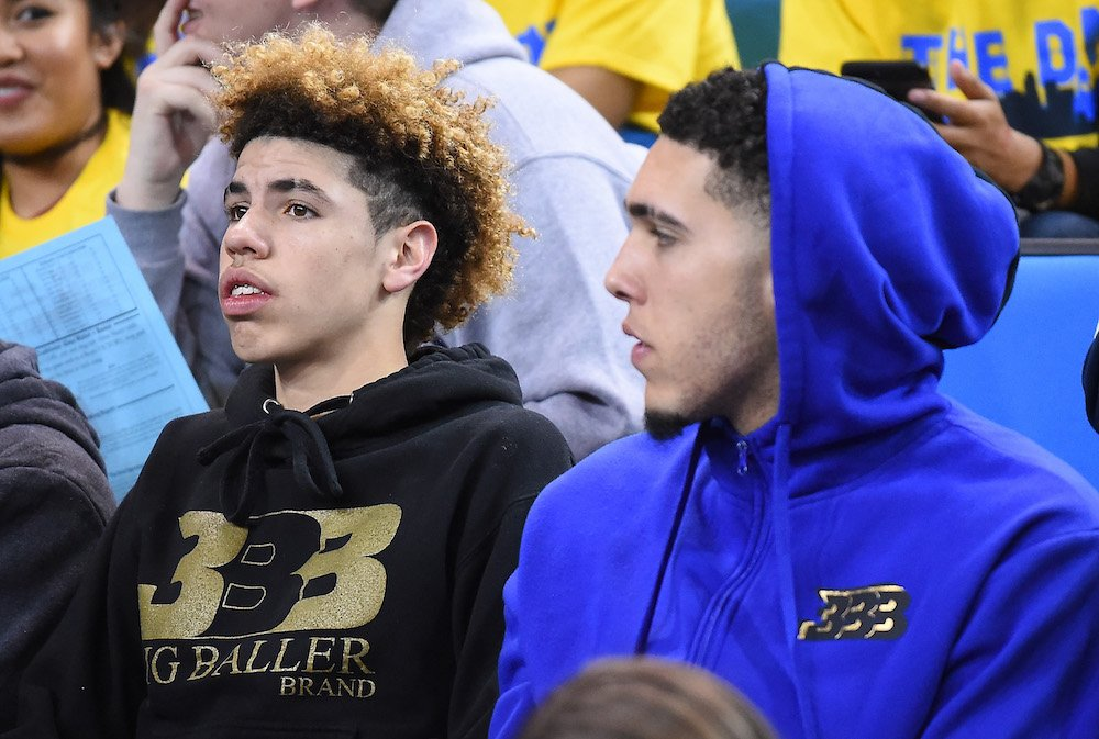 """LiAngelo, LaMelo Ball are in """"serious discussions"""" to sign with a team in Lithuania, per @WojVerticalN@DraftExpressBhttps://t.co/8F8zu8NRvTA and"""