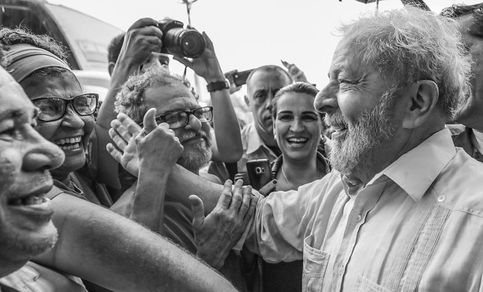 Lula quer acabar com imposto de renda para quem ganha até R$5 mil https://t.co/CuKCEQxE80
