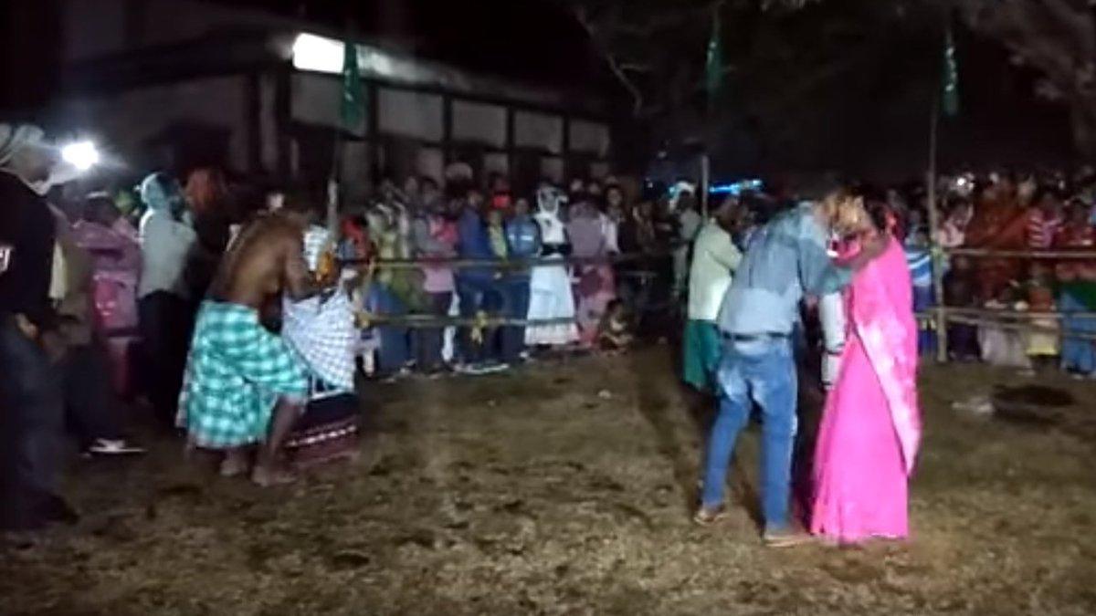 Jharkhand: JMM legislator organises kissing contest, BJP cries foul https://t.co/mAKiF7ZrDC