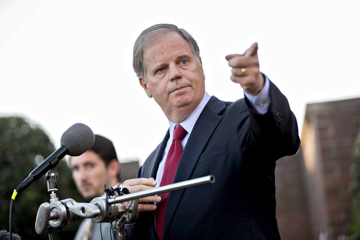 He says he won't be beholden to Schumer or McConnell. He emphasizes his Christian faith and love of guns. Meet Doug Jones, Roy Moore's Democratic opponent https://t.co/NvDIAuQSWD