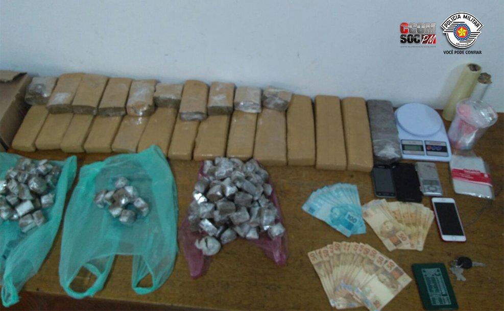 Equipe de ROTA prende dois traficantes e apreende drogas na Zona Norte. Confira:https://t.co/7iczzdb6lW