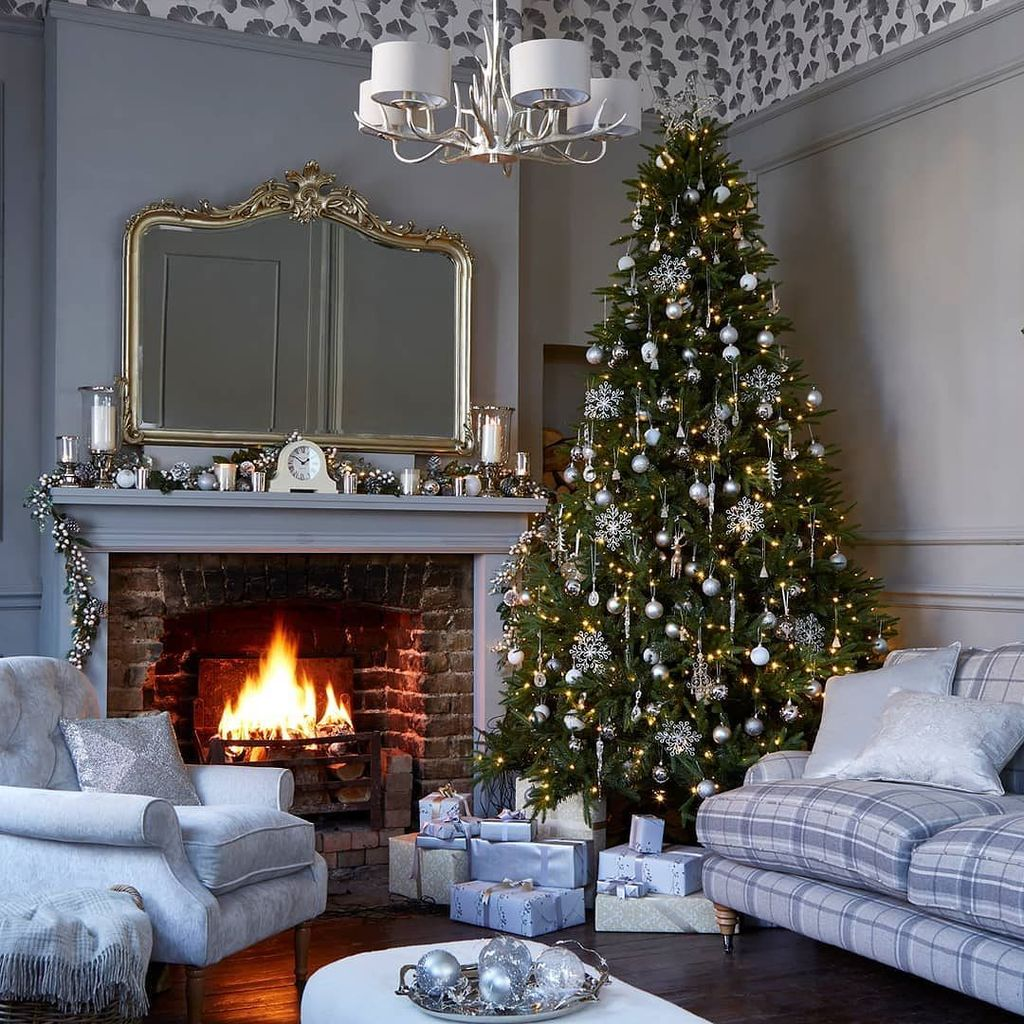 Laura Ashley On Twitter A Little Healthy Compeion Never Hurt Anyone So We Want To See Who S Got The Best Decorated Tree