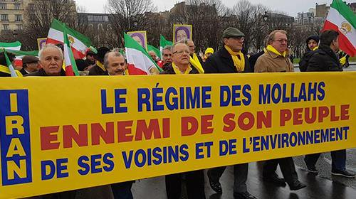 #News #Iran #Paris: Demonstration and rally to mark the World Day for Human Rights + Photos  http:// dlvr.it/Q5SRcj  &nbsp;  <br>http://pic.twitter.com/jF4FAwo2nd