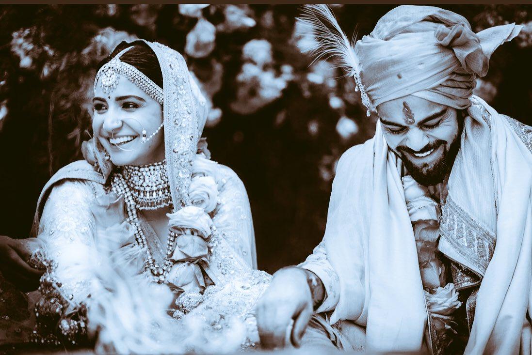 Ab yeh hui na real Rab Ne Bana Di Jodi. My love to both @AnushkaSharma &  May@imVkohli God bless u with happiness & health
